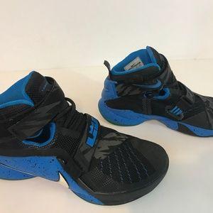 Nike LeBron Soldier IX 9 Premium Soar Size 8
